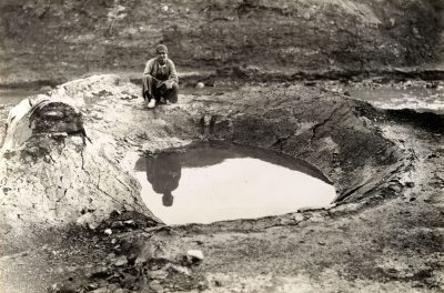 This crater like trap was used for the primitive local oil industry. The lighter fractions were burned off, and when the oil reached the desired consistency, it was drained off using an underground channel. 1926 ARC224931_3429 Copyright: BP plc.